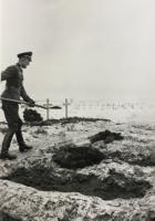 """Beisetzungen """"Ehrenfriedhof"""" Wojewodyna, Russland Herbst 1942, Gräber-Offizier Manfred Wintzer, 26. Mot. Infanterie-Division Archiv Volksbund Deutsche Kriegsgräberfürsorge e.V., Kassel  D 107 Teil 1"""