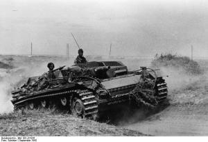 Das Bild zeigt ein Sturmgeschütz III bei Stalingrad 1942