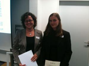 Dr. Kerstin von Lingen (Laudatio) und Anette Neder, M.A. (Preisträgerin)