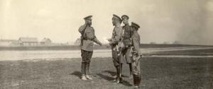 Abb. 2: Zar Nikolaus II besucht gemeinsam mit dem Zarewitsch die Front. Quelle. BfZ/WLB, RA R46