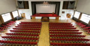 Lecture Theatre Peel Building, http://www.meetingvenuesuk.com/images/cms/venues_14_4_slide_short.jpg