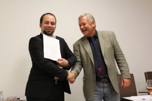 Frederik Müllers, M.A., (Preisträger) und Prof. Dr. Stig Förster (1. Vors.)