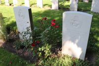 Den_Burg_Commonwealth_War_Cemetery_Copyright.Takuma_Melber