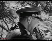 "Abb. 2: Rommel (James Mason) verspeist ein Schwarzbrot (""The Desert Fox: The Story of Rommel"" 1951/20th Century Fox, Screenshot, auf Youtube https://www.youtube.com/watch?v=T4n48bVGom8)"