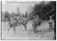 """""""Belgian Franctireurs, prisoners of German Hussars"""", ca. 1914, vermutlich gestellte Aufnahme. Quelle: Library of Congress, https://lccn.loc.gov/2014698449"""
