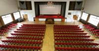 Lecture Theatre Peel Building, http://www.meetingvenuesuk.com/images/cms/venues_14_4_slide_short.jpg